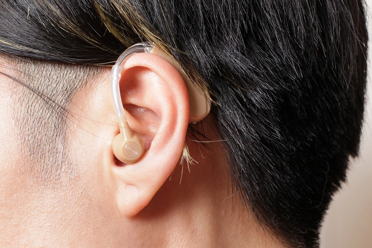 難聴と補聴器について